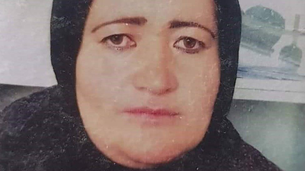 Afghanistan: Taliban accused of killing pregnant police officer thumbnail