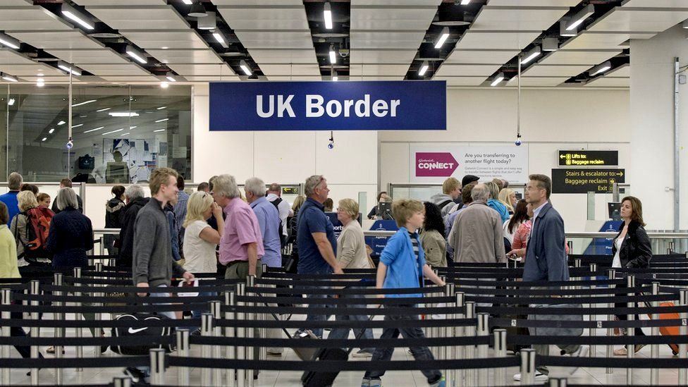 Migration: UK cannot end freedom of movement on Brexit day, experts say