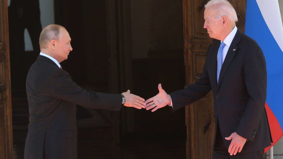 Biden vows US action over Russian cyber-attacks thumbnail