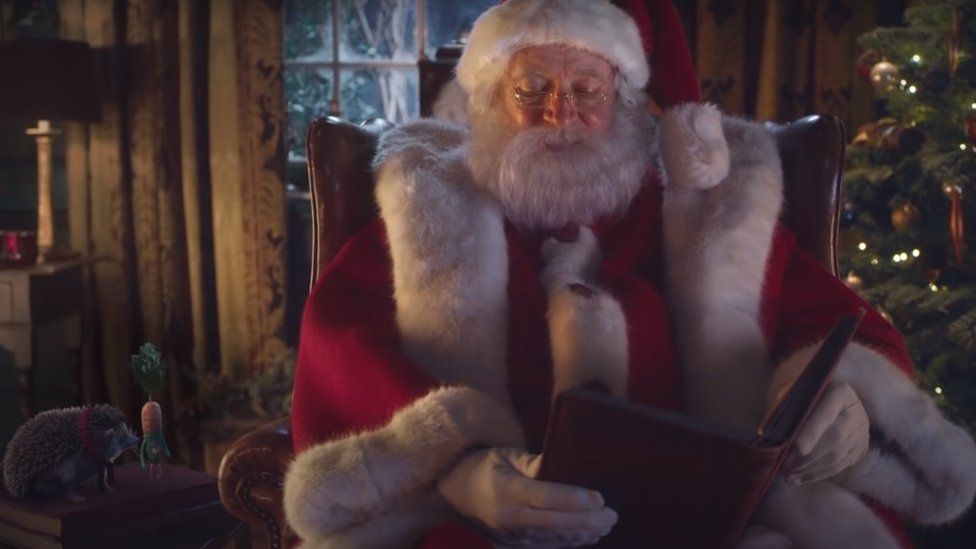 A scene from Aldi's 2020 Christmas advert