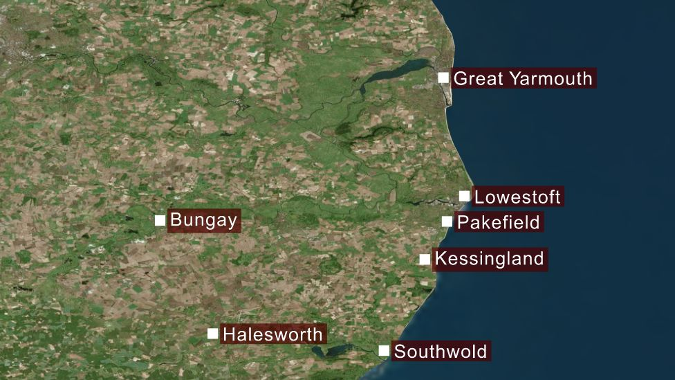 Map showing Lowestoft, Bungay and other towns/villages