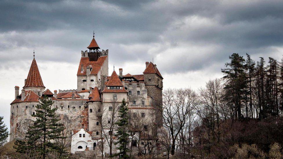 Замок Бран в Трансильвании - говорят, здесь не раз останавливался граф Дракула