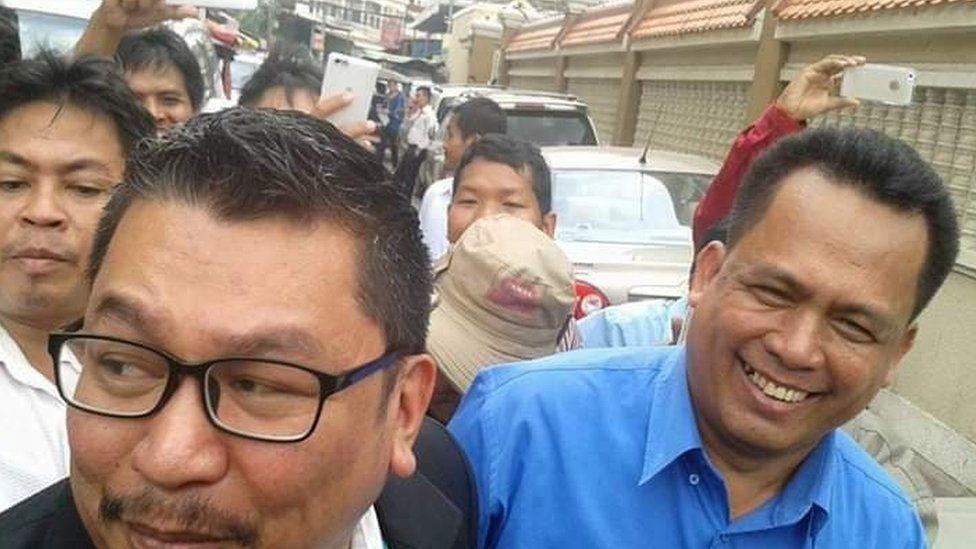 Ou Virak, left, with Kem Ley