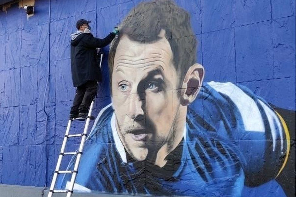 Rob Burrow mural