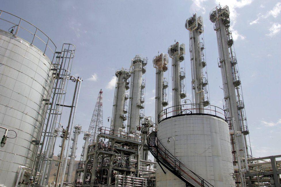 File photo showing Arak heavy water power plant in Arak, Iran (26 August 2006)