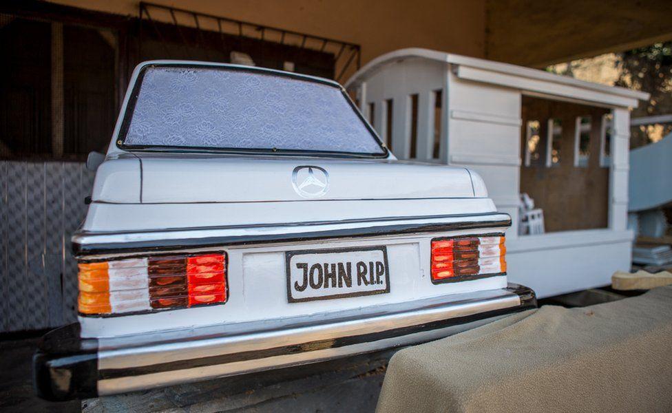 Car coffin 65032