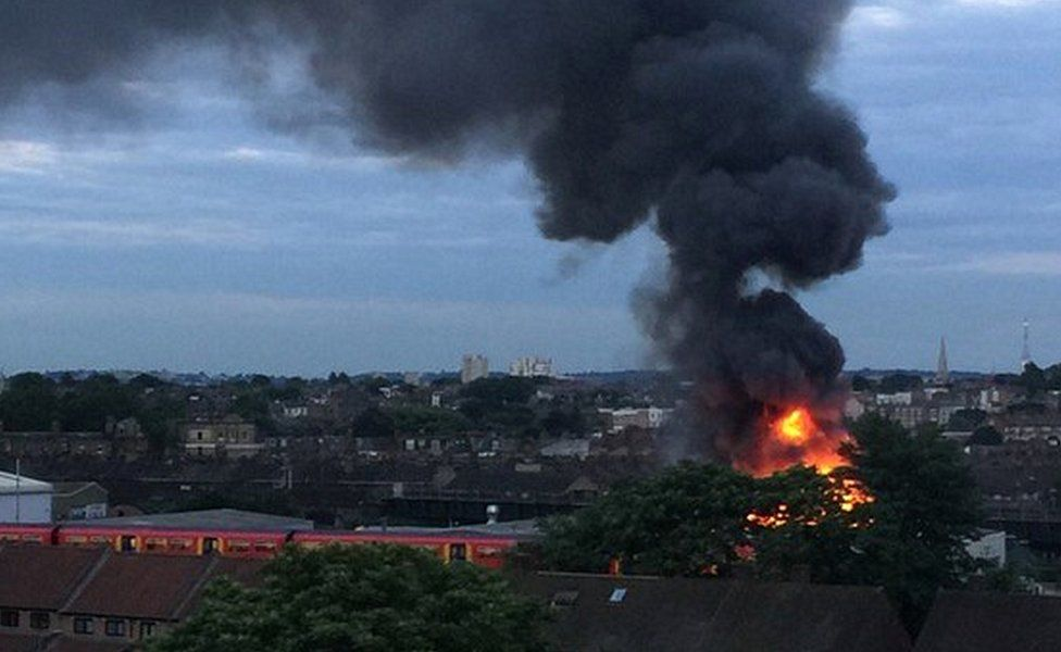 Battersea warehouse fire
