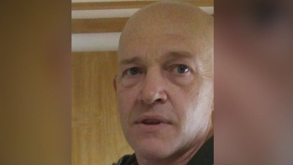 Police said Steve Baxter may use different names