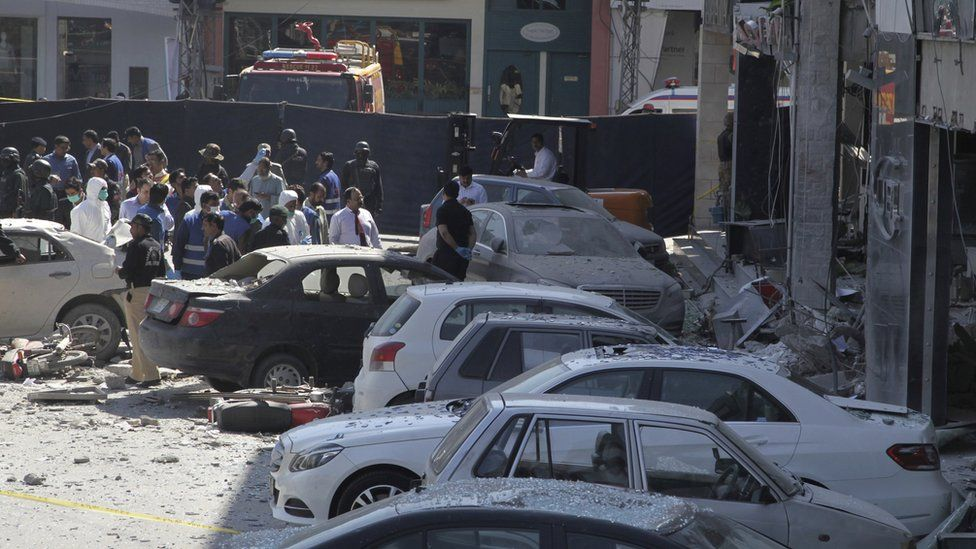 Police secure the area of explosion in Lahore, Pakistan, 23 February 2017