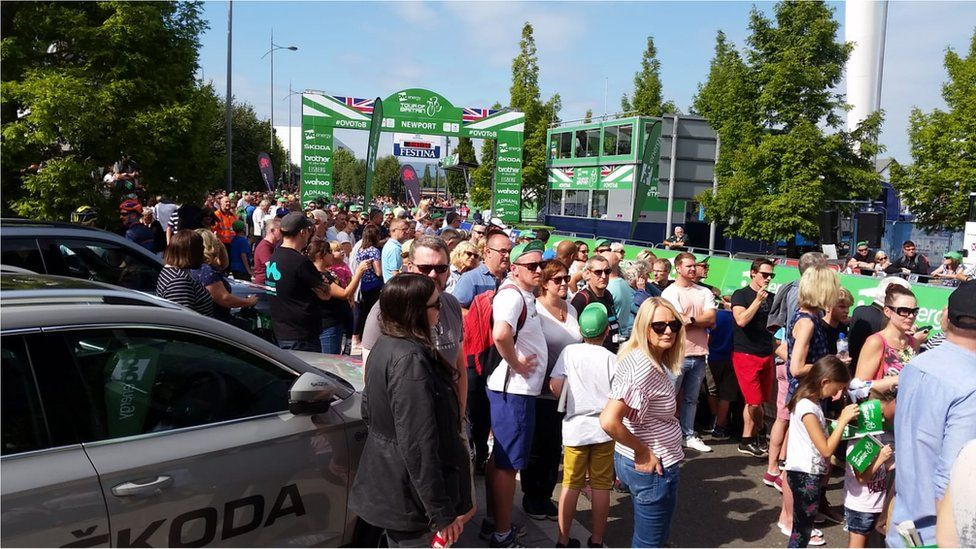 Fans at finish line of Tour of Britain