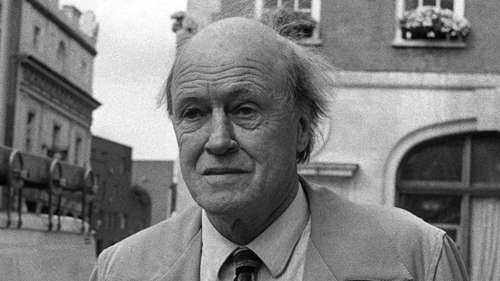 Roald Dahl in 1988