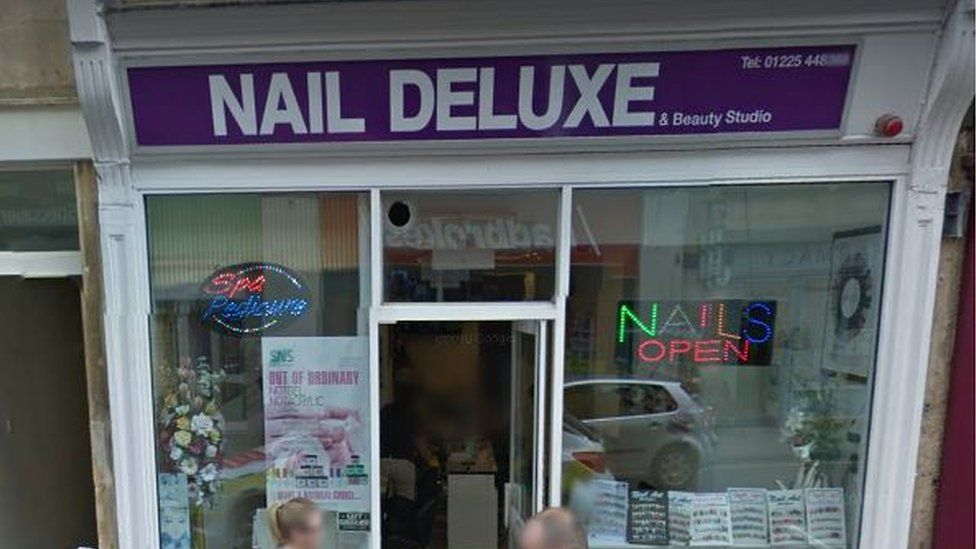 Nail Deluxe