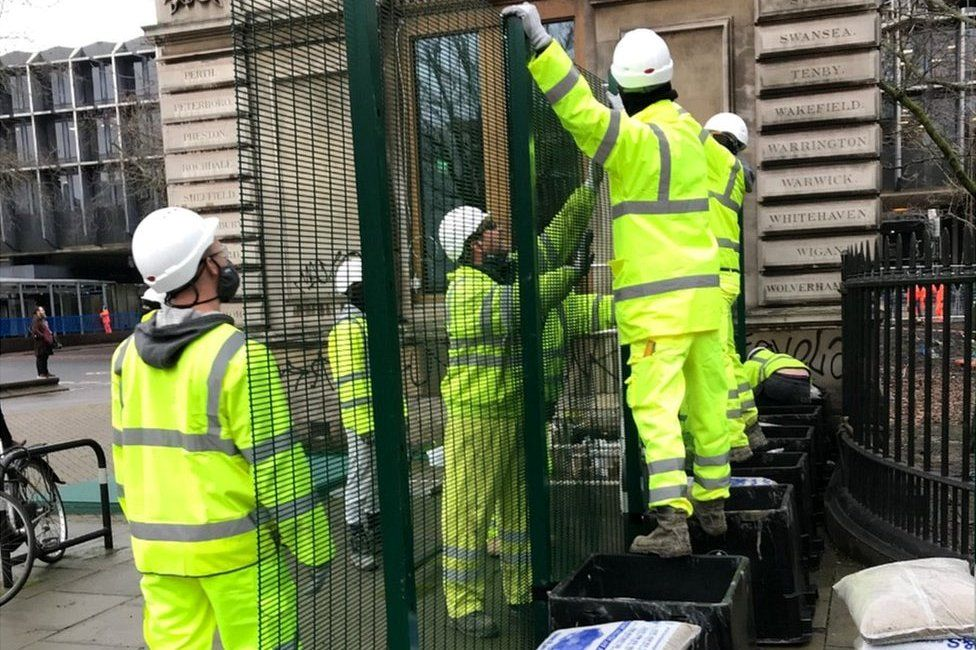 Fence being erected in Euston
