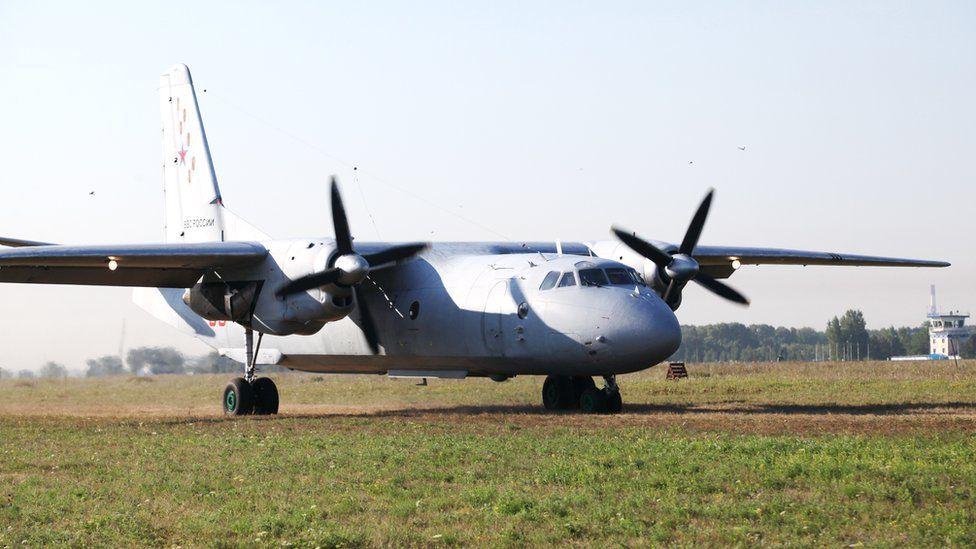 В Саратовской области при жесткой посадке Ан-26 погиб военный