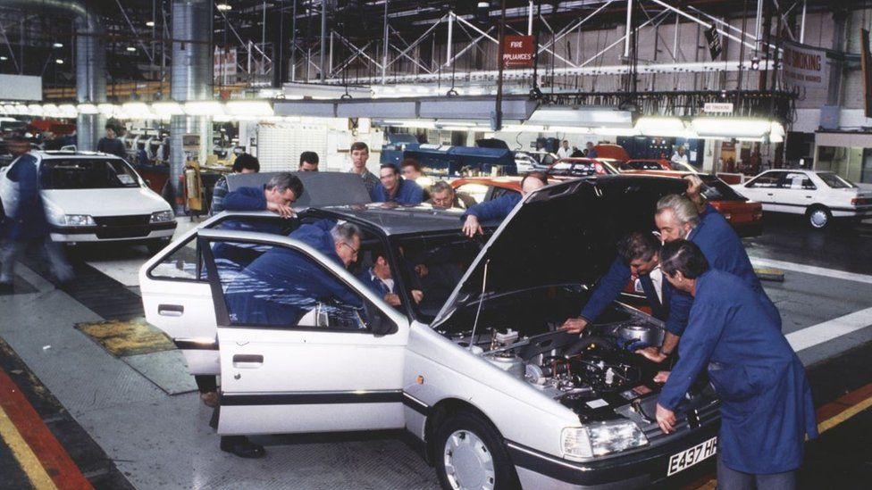 Peugeot 405 production at Ryton in 1987