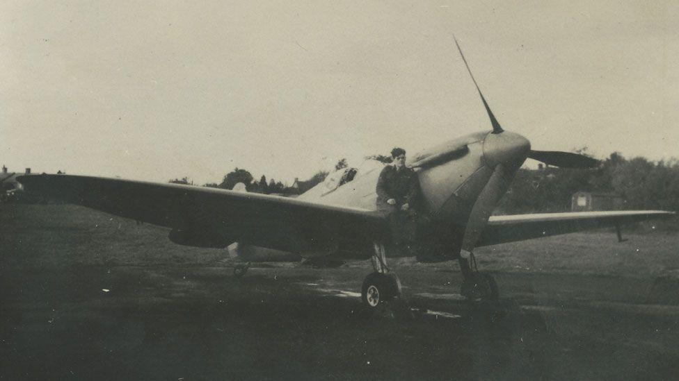 Gunn and Spitfire