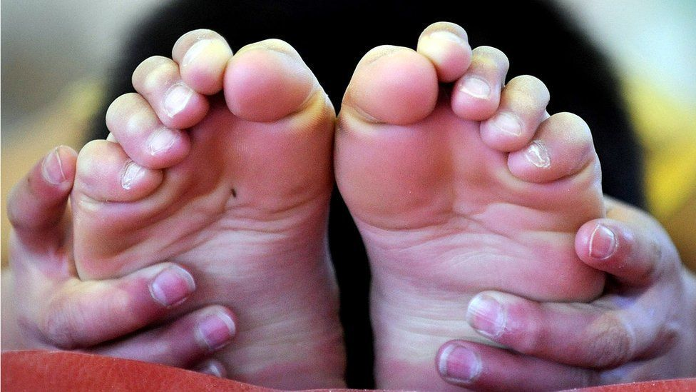 A pair of feet