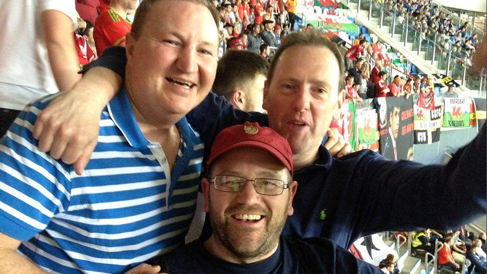 Cefnogwyr Cymru yn Euro 2016