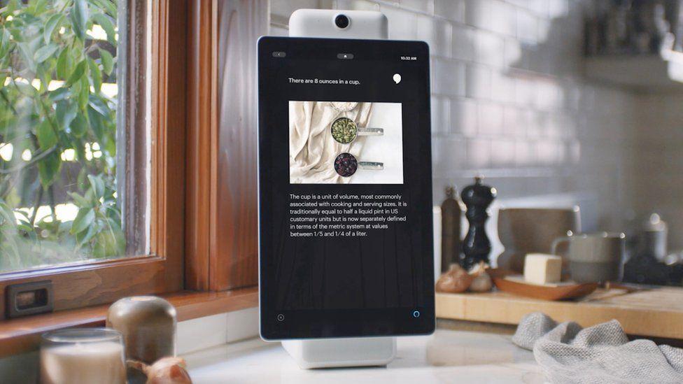 Facebook Portal video chat screens raise privacy concerns - BBC News