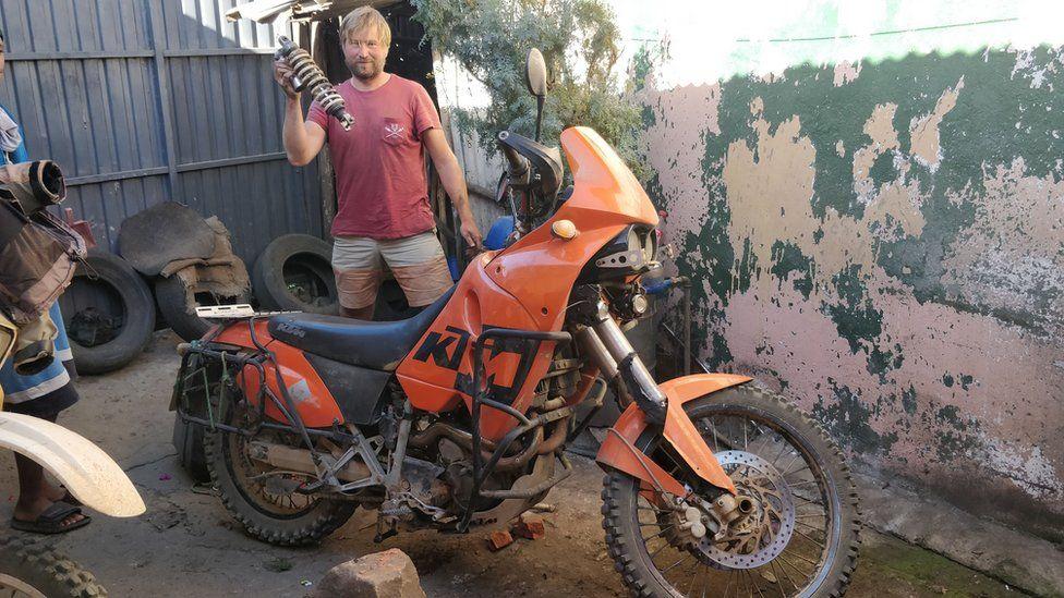 Kristo Kaarmann with his bike in Tanzania over Christmas last year