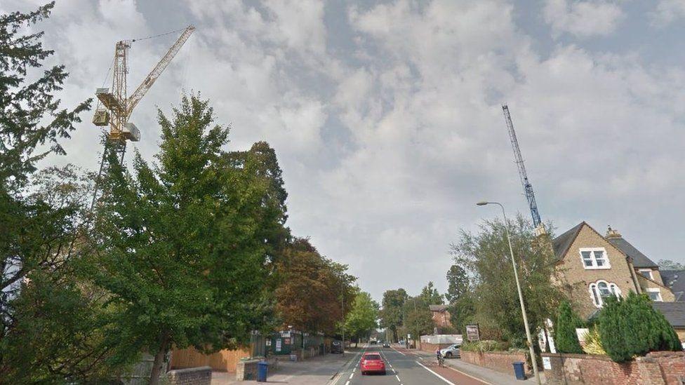 Tower cranes in Summertown