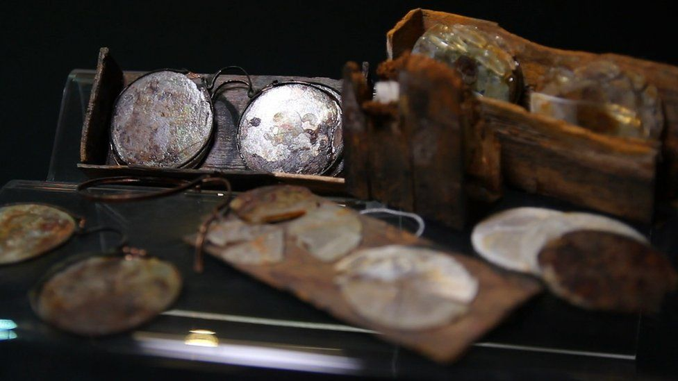 Glasses recovered from the Rooswijk wreck