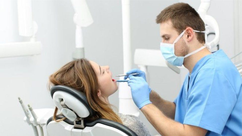 Covid-19: Dental hygienists 'frightened' about safety - BBC News