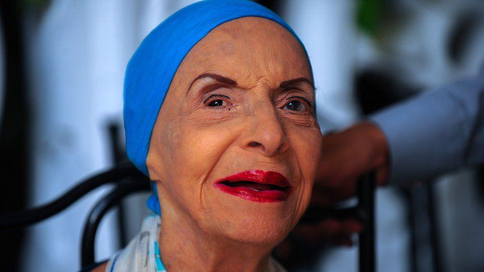 Alicia Alonso: Legendary ballet dancer dies aged 98