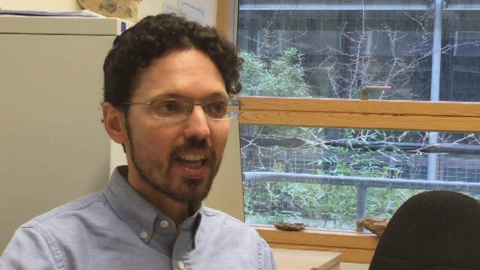 Dr Gary Oppenheim