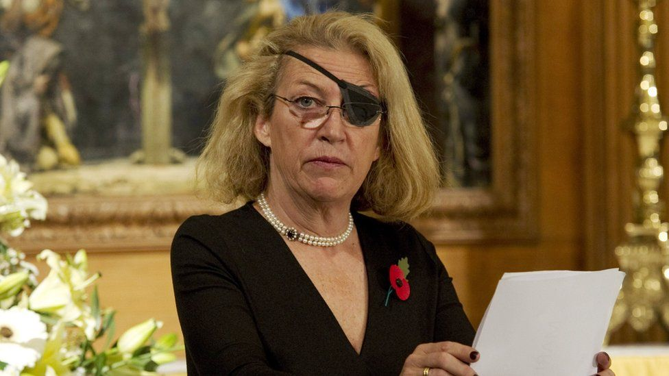 Marie Colvin reading a speech at a commemoration for journalists killed in war zones