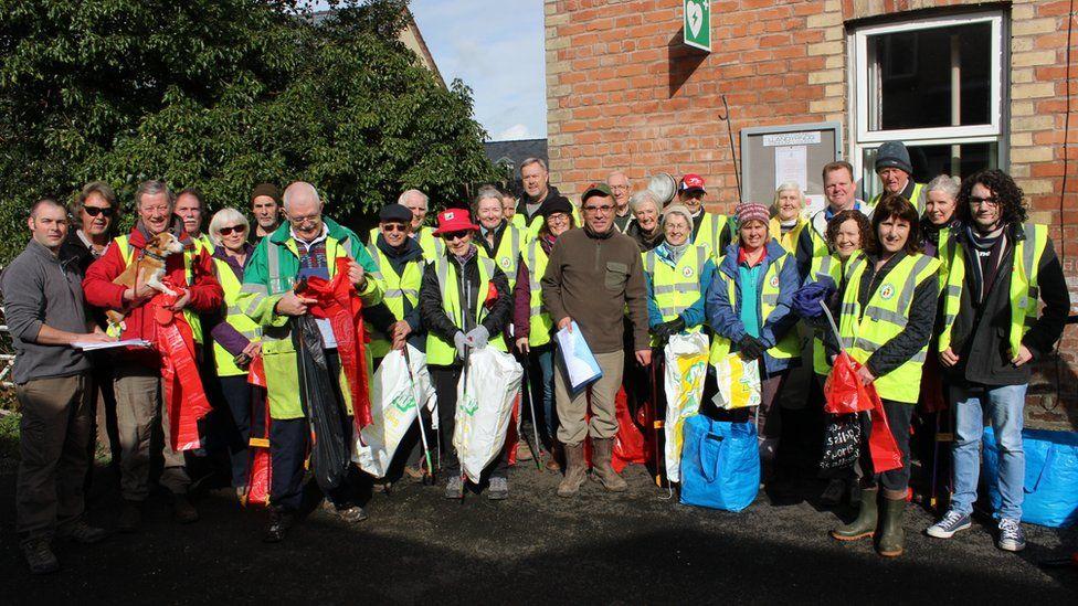 Llandyrnog community litter pick team