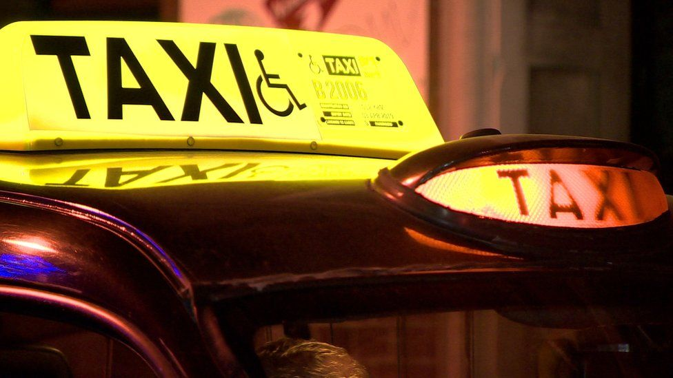 Northern Ireland down more than 4,000 taxis in five years - BBC News