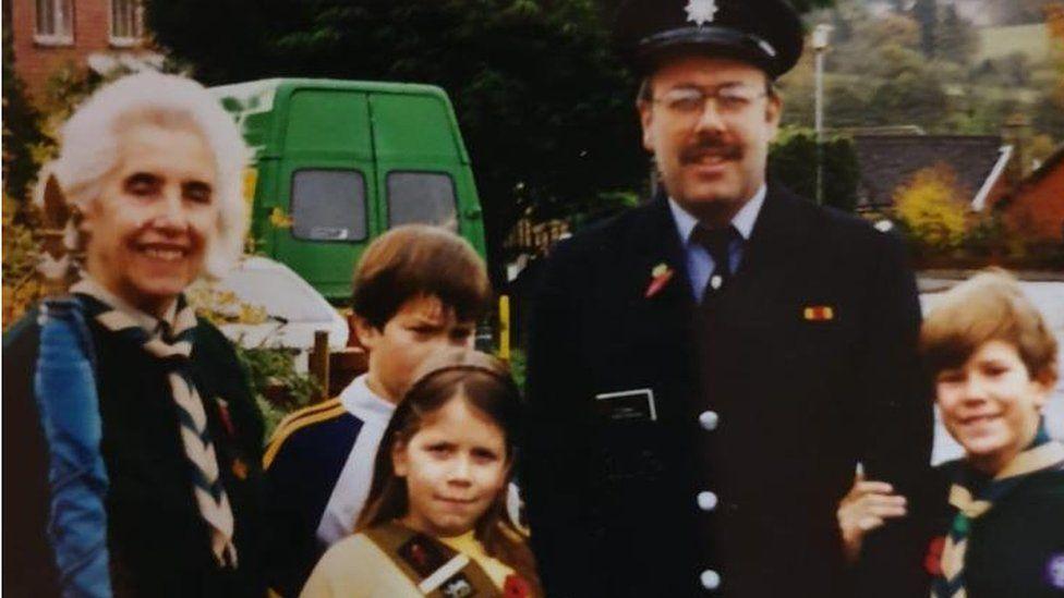 Lauren Barnett as a child with her family