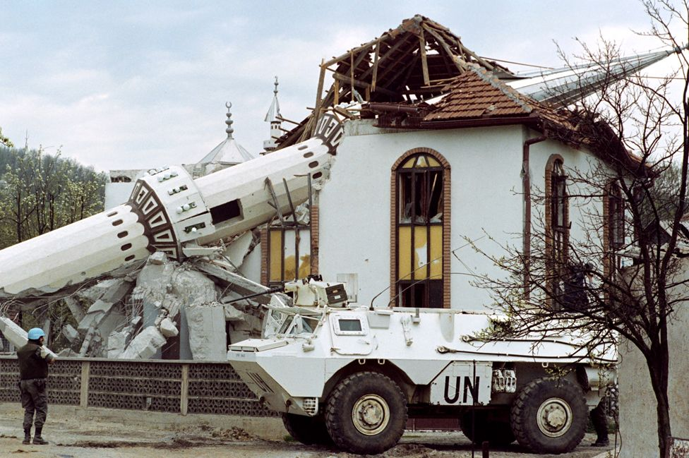 Destroyed mosque in Ahmici, central Bosnia, 27 Apr 93