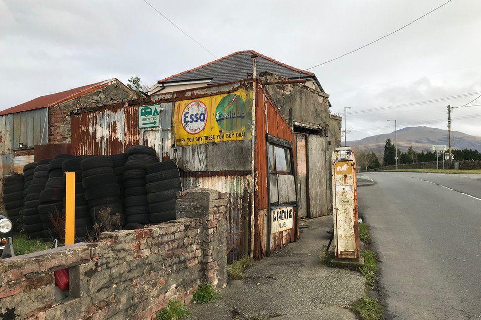 Garage in Snowdonia