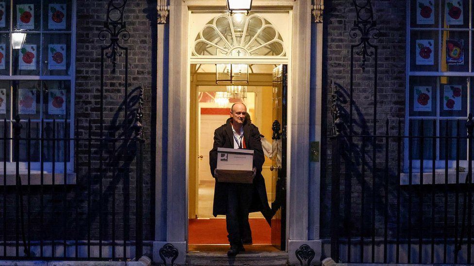 Dominic Cummings leaving Downing Street