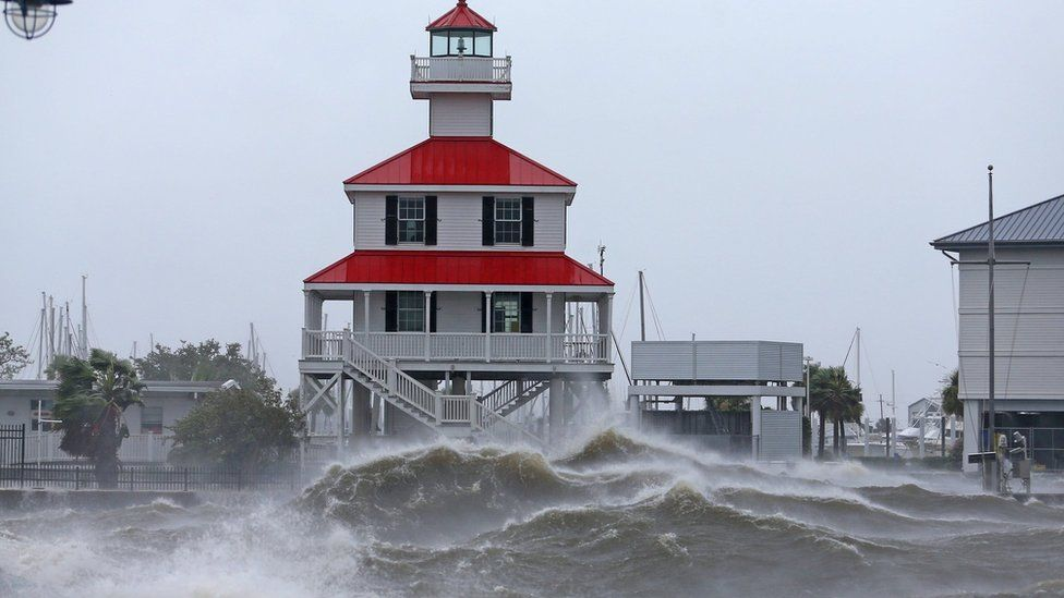 Waves on Lake Pontchartrain, Louisiana (29 August)