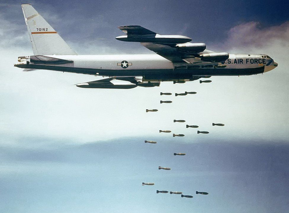 B-52 drops bombs on Vietnam