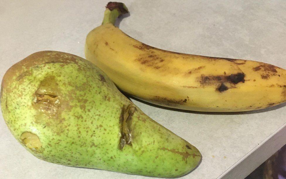Bruised pear and banana