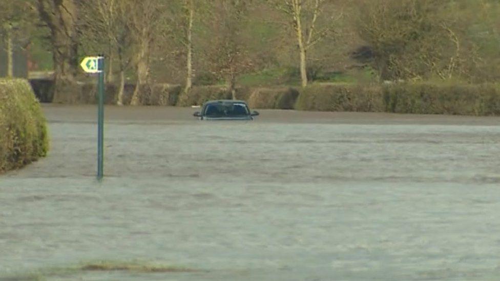 Car under water at Bangor on Dee