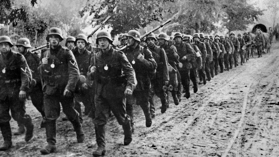 German troops invading Poland, 1 Sep 39