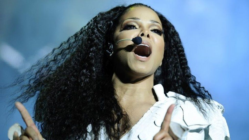 """Janet Jackson performs on stage during her """"Number Ones - Up Close and Personal"""" tour at the Royal Albert Hall in London (30 June 2011)"""