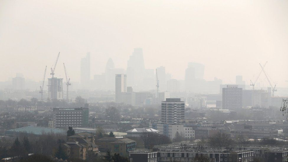 Estate agents urged to tell buyers about air pollution