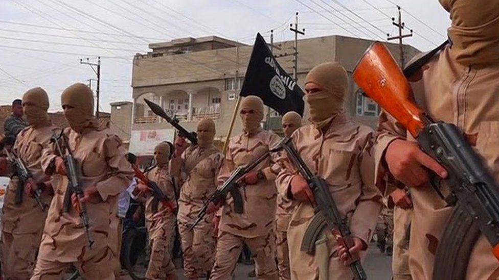 Islamic State child soldiers (image from April 2015)