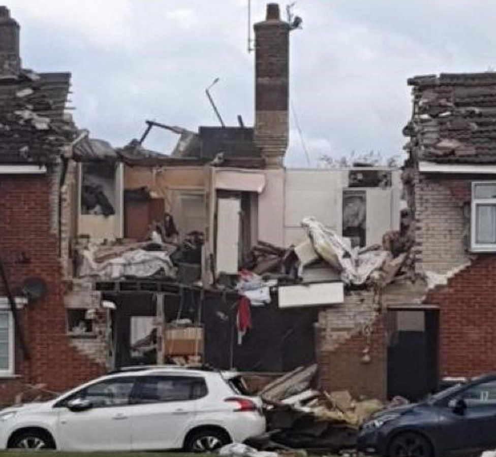 Houses and rubble