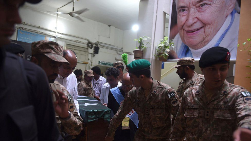 Pakistani Army soldiers transporting the coffin of Ruth Pfau
