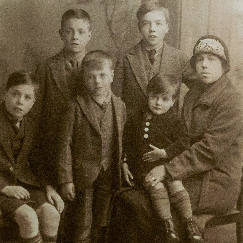 Ted Cordery as a child in family photo
