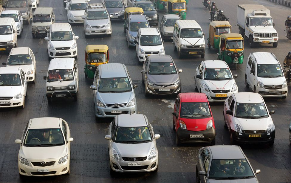 Traffic in Delhi on the first day of the odd-even system, 1 January 2016