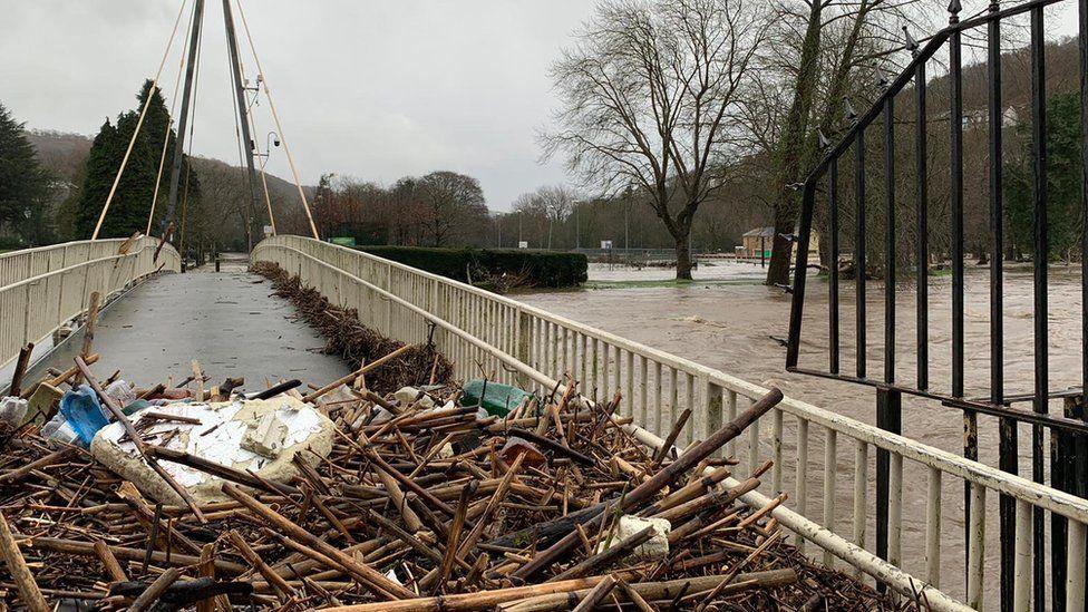 Debris in Pontypridd