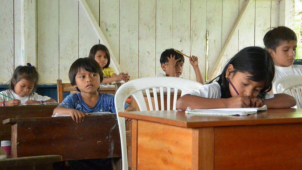 Escuela en Kapawi